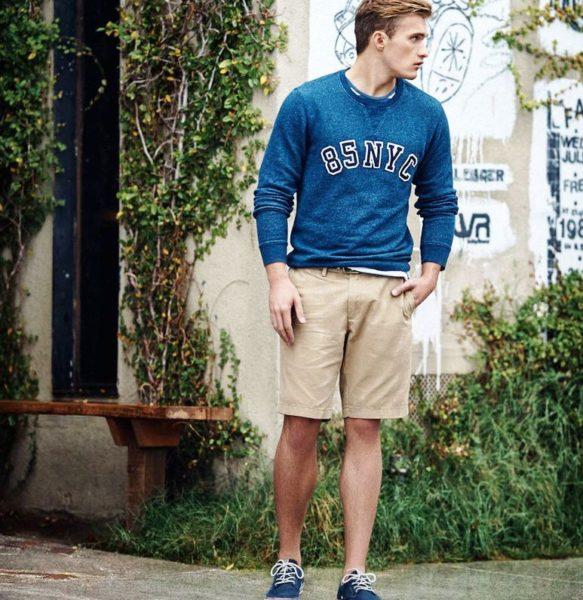 Важно только знать, что оттенки джинсового верха и джинсового низа должны немного различаться, например, темные шорты с более светлой рубашкой