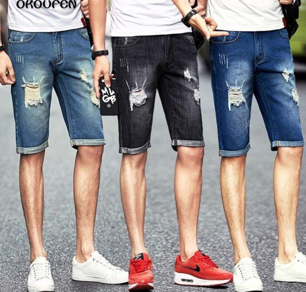 Обувь в спортивном стиле идеально подходит под мужские джинсовые шорты