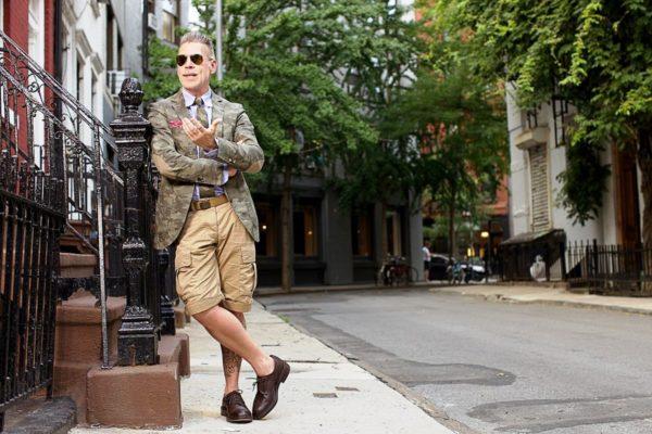Мужские шорты милитари - отличный вариант для прогулки