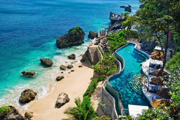 Бали – это райский уголок, Здесь практически нет дождей, за исключением осени, когда может иногда пройти короткий дождик.