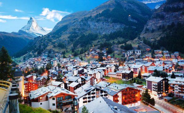 Благодаря своему великолепию Швейцария – замечательное место, в которой влюбленные души могут прекрасно провести время и насладиться красотами Швейцарии во всей красе