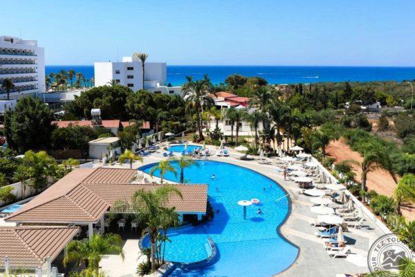 Общее у всех курортов – это наличие первоклассных отелей и пляжей. Каждый прибывший на Кипр турист может выбрать себе место отдыха с учетом своих предпочтений