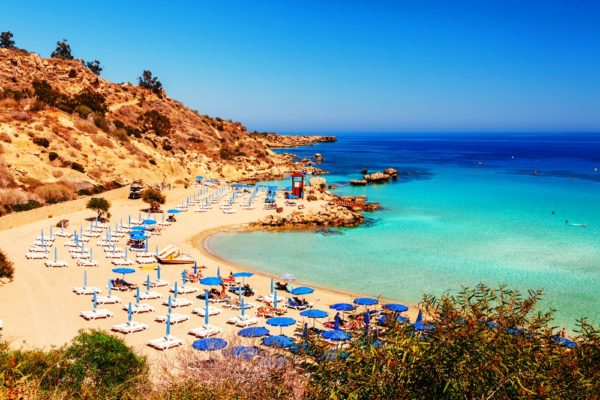 Европейским союзом отмечены пляжи Кипра как самые комфортные, с развитой инфраструктурой, и самые экологически чистые