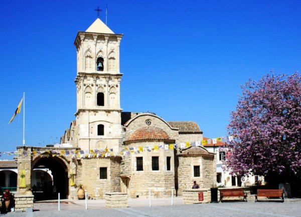 Ларнака - тихий и спокойный город, с историческими достопримечательностями