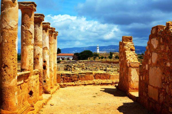 Едва ли такое многообразие памятников старины можно встретить в каком-либо еще государстве!