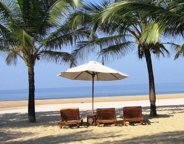 Ласковый и теплый океан и чистейший песок порадуют вас на пляже