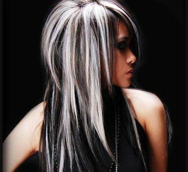 Только в хорошем салоне процесс мелирования будет качественным и риск для волос снизится до минимума