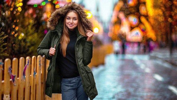девушка в куртке Парка
