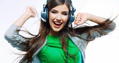 Как выбрать стильные наушники для девушки: экспертное мнение от TECHNODOM