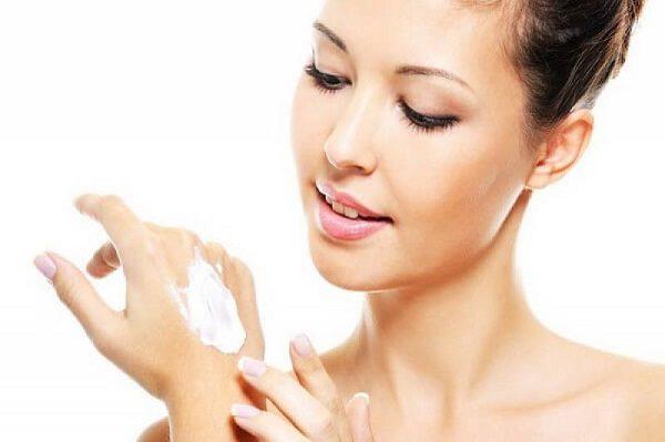 Корейский крем для рук поможет избавиться от сухости кожи и сделает руки красивыми и изящными