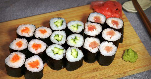 Ролы - разновидность суши, которые чаще всего готовят в домашних условиях