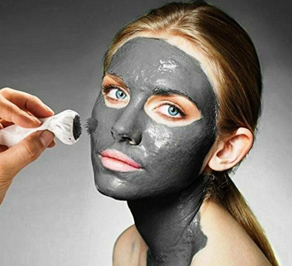 Магнитный стик помогает не только моментально снять маску с лица, но и улучшает кровообращение, благодаря чему кожа насыщается кислородом и избавляется от токсинов и вредных веществ