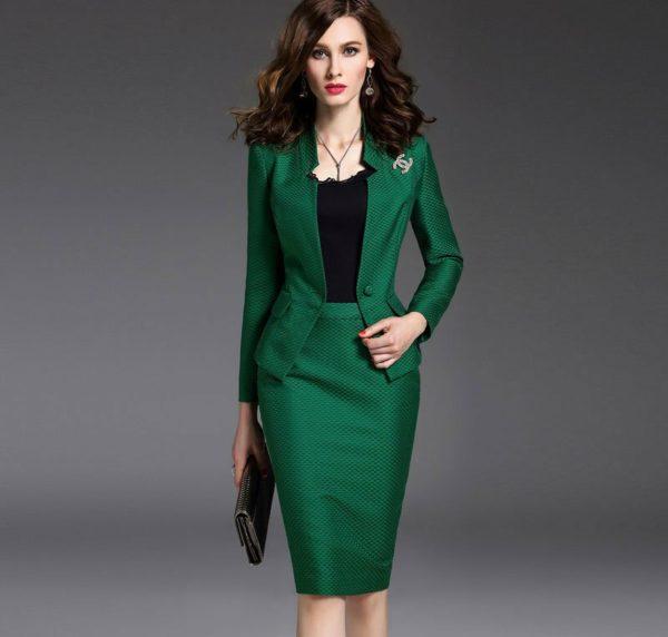 Юбка-карандаш в деловом стиле одежды для женщин
