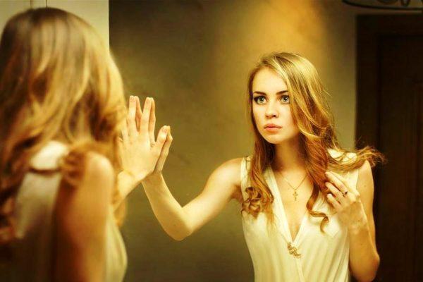 Чужие зеркала могут нести в себе негативную энергию прошлых хозяев