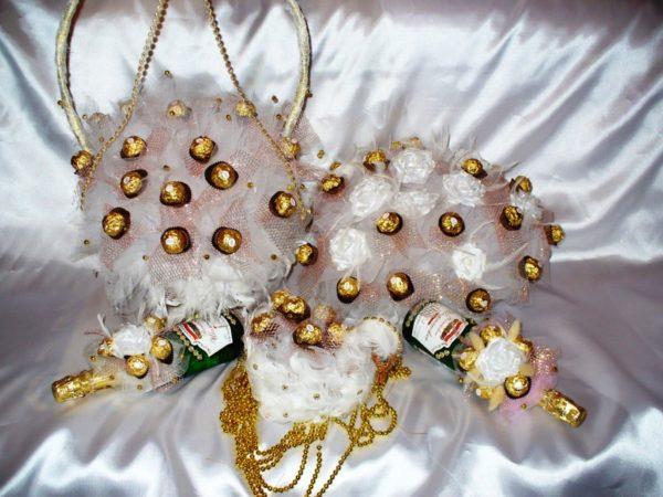 Подарок на свадьбу - сувениры