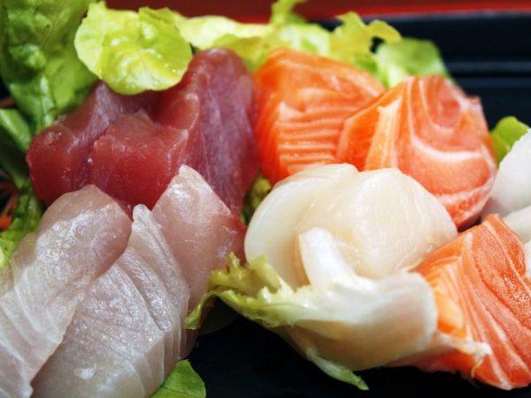 Сырая рыба для суши
