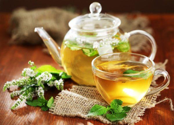 Успокаивающий чай с мятой