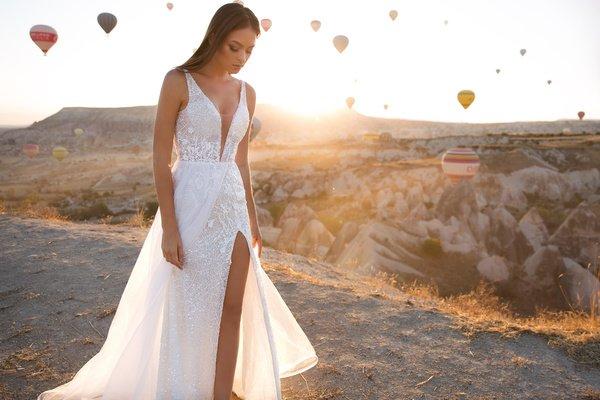 свадебное платье вырез от бедра осень