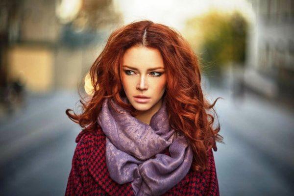 Если волосы отливают оранжевым, в одежде не должно быть оранжевых тонов