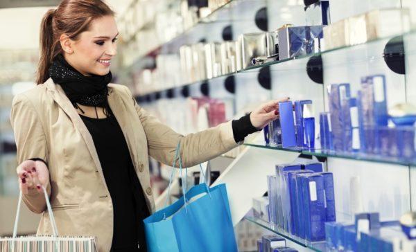 Отправляйтесь только в хорошо проверенные и известные магазины парфюмерии