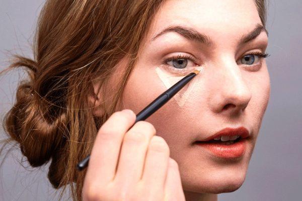 Как скрыть симптомы усталости кожи с помощью макияжа