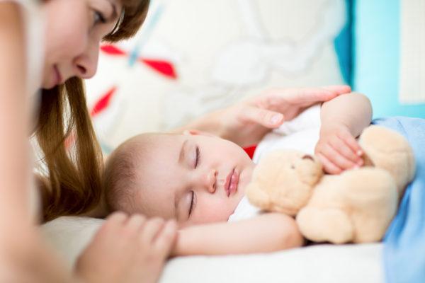 Как отучить ребенка от укачиваний