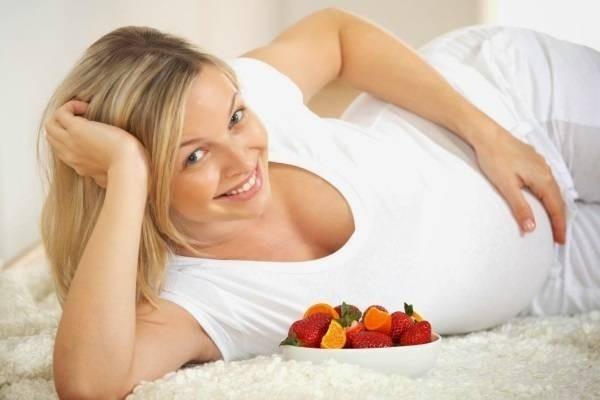 Почему рекомендуется принимать фолиевую кислоту при беременности.