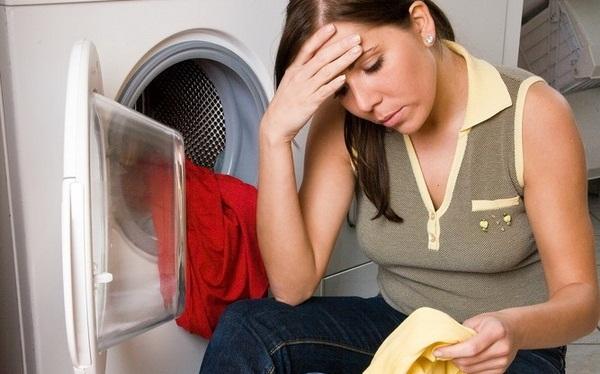 Как вывести пятно с одежды в домашних условиях