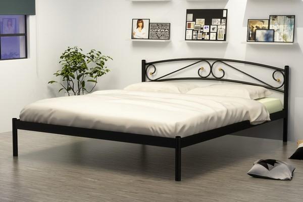 металлическая кровать в интерьере спальни фото