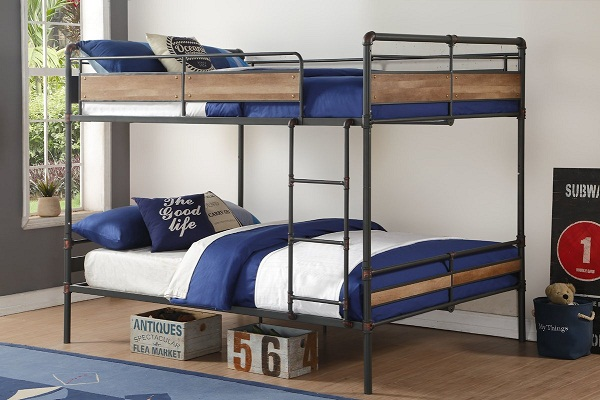 Металлическая двухъярусная кровать для детской фото