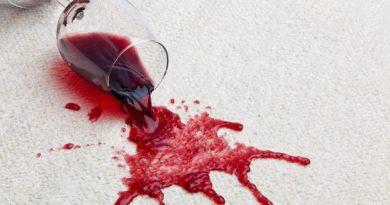 чем вывести пятно от красного вина