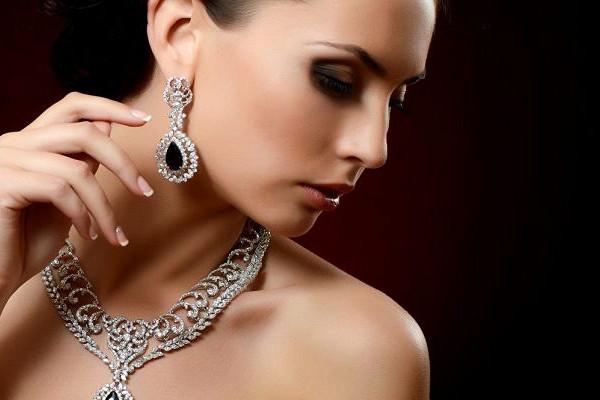 серебряные украшения к вечернему платью