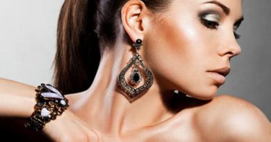 подобрать серебряные украшения к праздничному образу