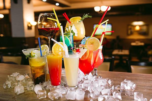 Какие коктейли выбрать для вечеринки