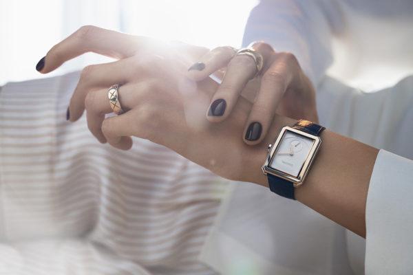 Брендовые часы Шанель