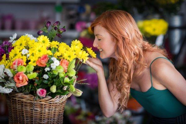 Корзина цветов - идеальный подарок