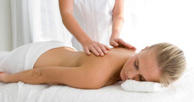 eoy4k-massage_hand