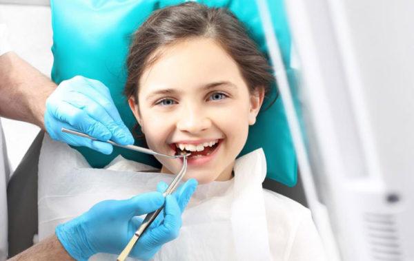 dental_clinics_can_teach_your_kids_about_oral_hygiene-1024x647