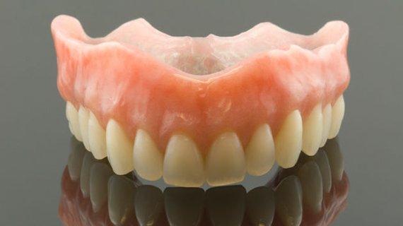 cemnye-zubnye-protezy