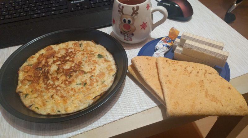 omlet-s-syrom-i-belym-hlebom-3