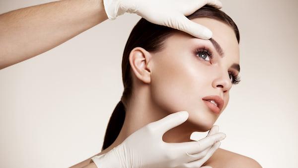 plasticheskaja-hirurgija-krasota-bez-garantii-2